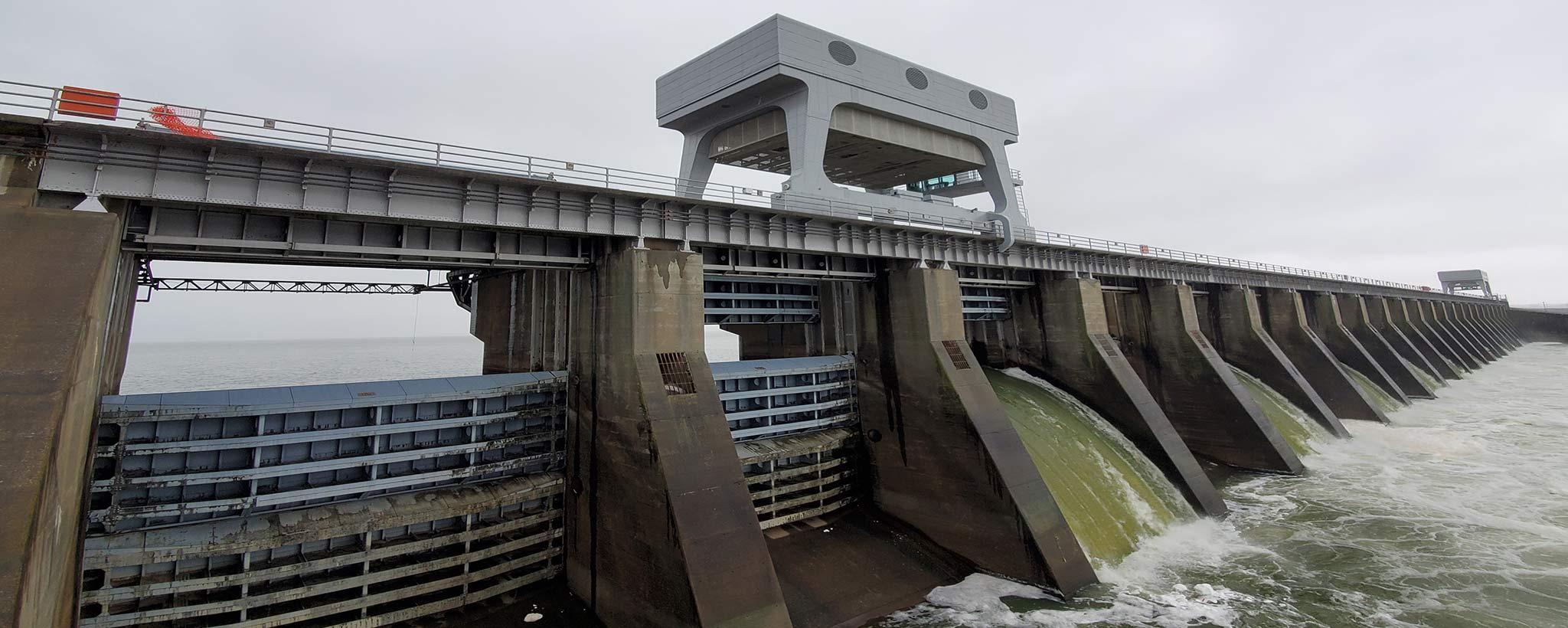 Kentucky Dam Spilling