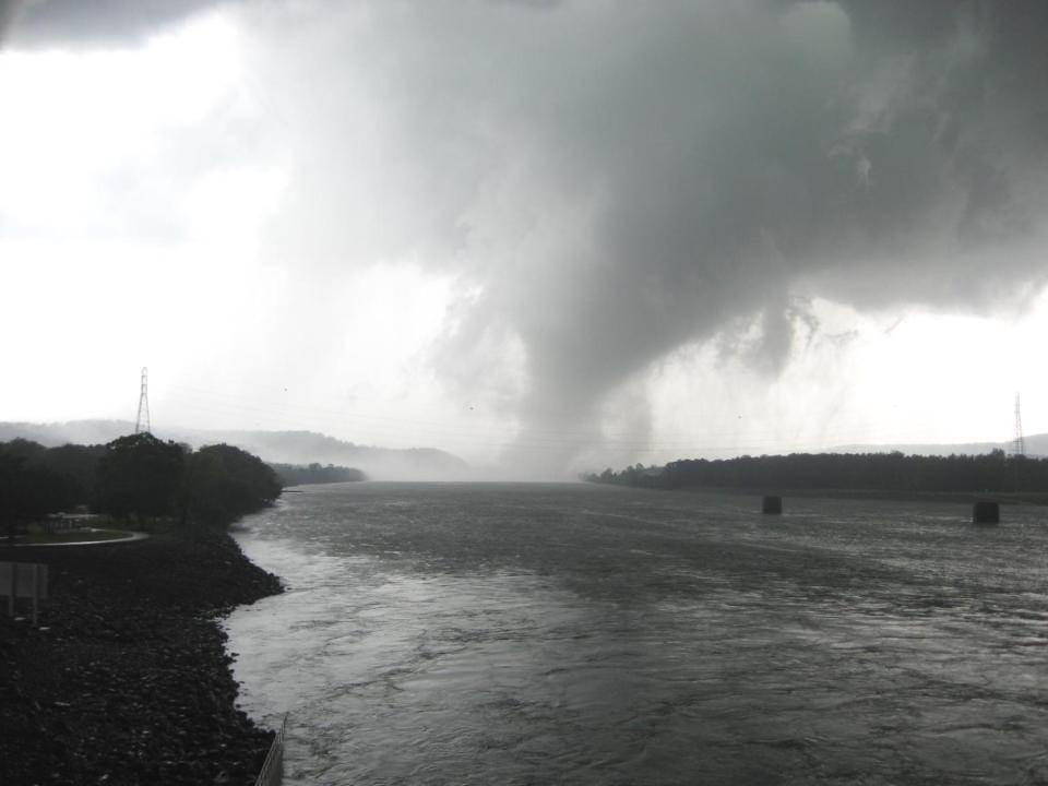 Tornado Approaching Guntersville Dam in 2011